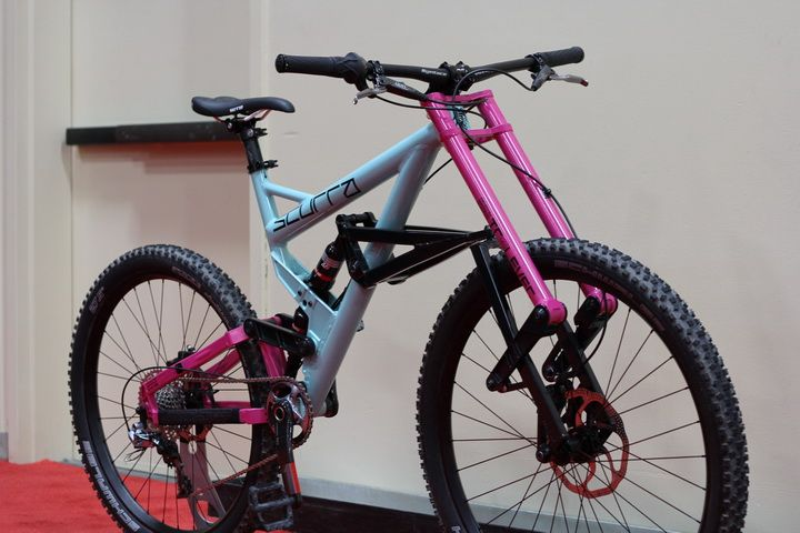http://www.test.rowery650b.eu/images/stories/news/Rowery/scurra/Scurra-Full-Suspension-Bike.jpg